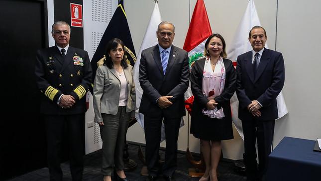 Produce y el Ministerio de Defensa fortalecen lucha contra la pesca ilegal y actividades ilícitas en el mar de Grau